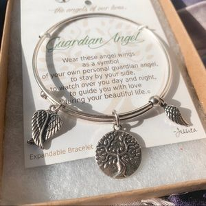 🌳 NWT Guardian Angel Healing Bracelet